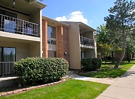 Bedford Square Apartments - Canton