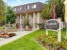 Brookvale Chateau Apartments - Fremont