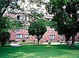 Woodcrest Manor - Mora