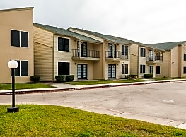 Fox Run Apartments - Victoria