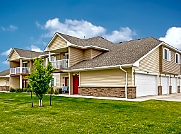 Desoto Estates Apartments & Townhomes - Grand Forks
