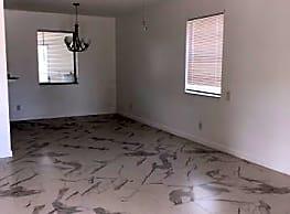 3/2 Single Family Home in Ridgewood Hills - Boynton Beach
