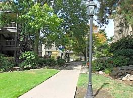 Wimbledon Square and Gardens - Portland