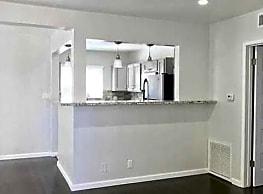 Tiara Apartments - Los Angeles