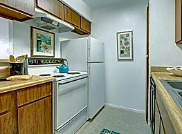 Northridge Court Apartments - Midland