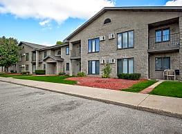 Village Park Apartments - Appleton