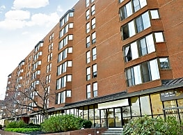 Carmel Plaza Apartments - Washington