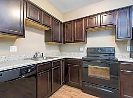 Silver Springs Apartments - Springfield