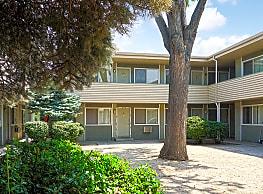 Hillcrest Apartments - Reno