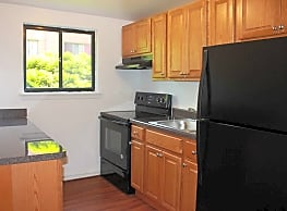 Marshall Woods Apartments - Upper Darby