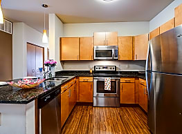Mammoth Springs Apartments, Townhomes & Lofts - Sussex