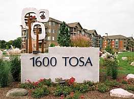 1600 Tosa - Wauwatosa