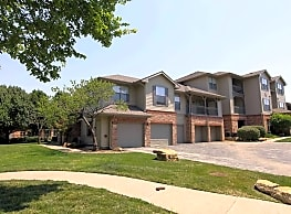 Crescent Apartments - Lenexa