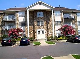 Briar Park Apartments - Lakewood