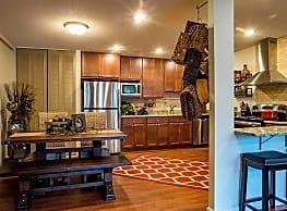 Calhoun Shores Apartments - Minneapolis