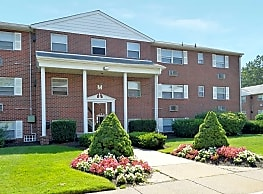 Pine Valley Court - Clementon