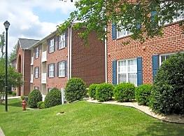 Lakeside Apartments - Greenville