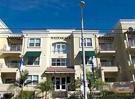 Haleakala Luxury Apartment Homes - Sherman Oaks