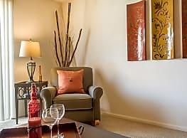 Southwoods Apartments - Saint Louis