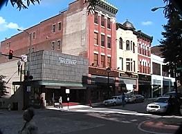 Studio,  bath House - Main Street - Lynchburg