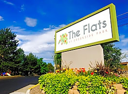 Flats At Creekside Park - Arvada