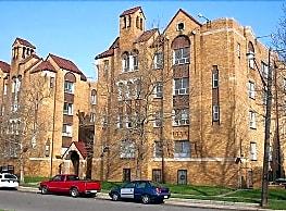 Majestic Manor - Detroit