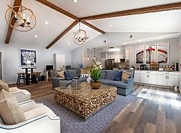 Runaway Bay Apartments - Salisbury