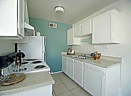 Veranda Apartment Homes - Glendale