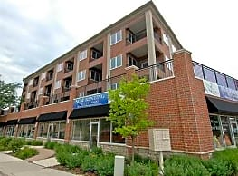 River Place Luxury Residences - McHenry