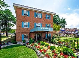 Manor Village Apartments - Washington