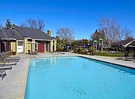 Summertime Apartments - Sacramento