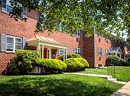Spring Manor Apartments - Lancaster