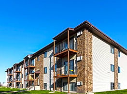 Maple Point Apartments - West Fargo