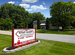 Ridge Manor Apartments - Hales Corners