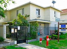 Whitsett Courtyard - North Hollywood