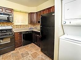 Glen Ridge Apartment Homes - Glen Burnie