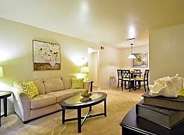 Hillside Apartments - Shreveport