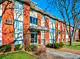 Penn Apartments - Bloomington