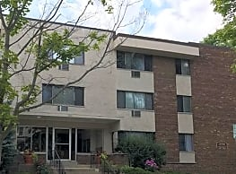 Lake Park Apartments - Milwaukee