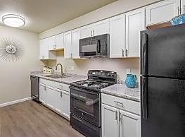 Hearthstone At City Center Apartments Aurora Co 80017