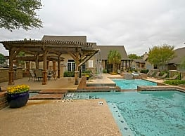 Village Green Of Bear Creek - Euless