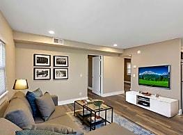Nine-4-Nine Apartments - Chattanooga