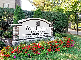 Woodhollow - Maryland Heights
