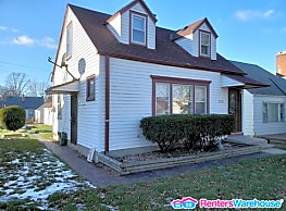 Reduced Price! 3 bedroom 1 bath home for Rent! - Milwaukee