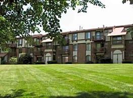 Old Farm Apartments - Elkhart