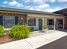 Club Manor IN Retirement Community - Brownsburg