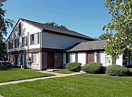 Farmbrooke Manor Townhomes - Clinton Township