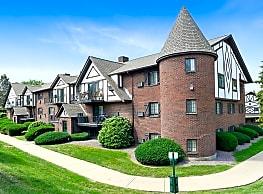 Royal Crest Marlboro Apartment Homes - Marlborough