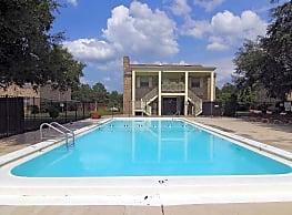 Eastwood oaks apartments hilliard fl 32046 for Eastwood high school swimming pool