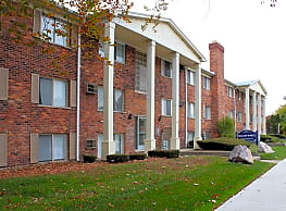 Wagon Wheel Apartments - Royal Oak